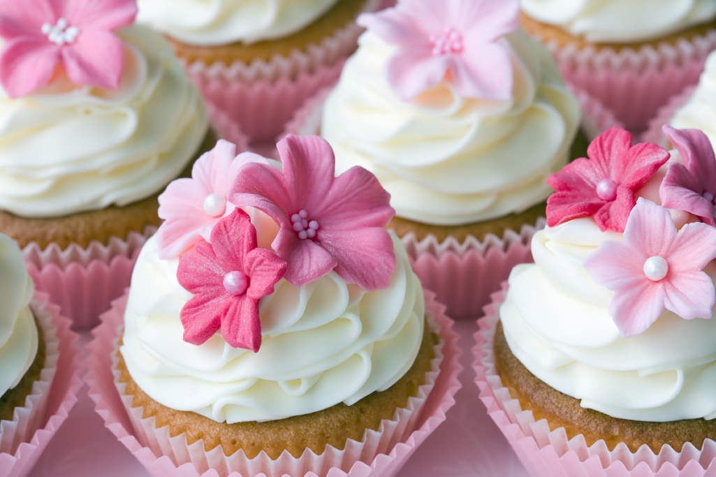 pink-flower-cupcakes